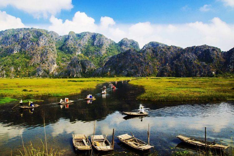 Vùng đất ngập nước có vai trò rất lớn đối với con người và thiên nhiên.