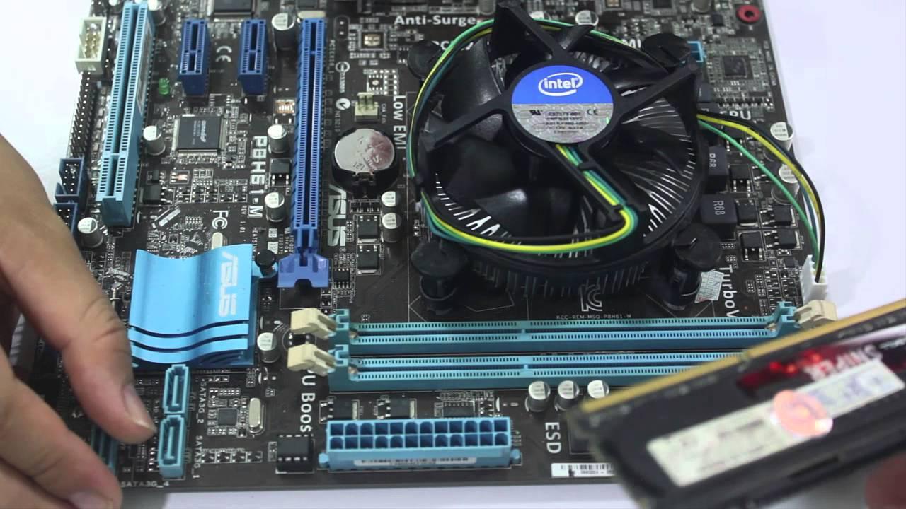 Tháo rời máy tính để kiểm tra ngay sau khi máy bị dính nước
